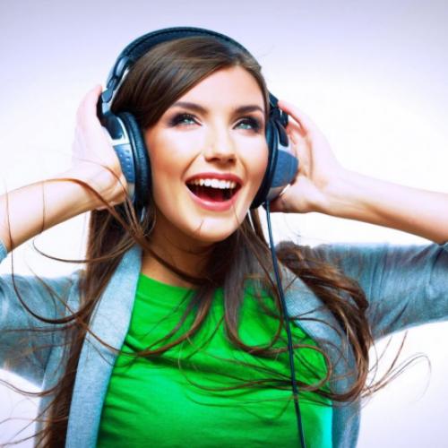 ListendToMusic-01-700x460px