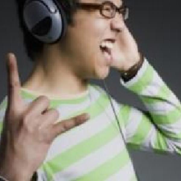 ListendToMusic-02-450x280px